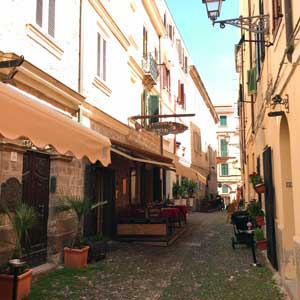 Alghero: Old town centre - Photo: NetFabric Web Solutions